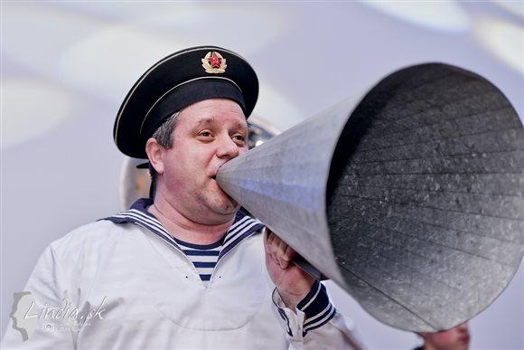 funny-fellows-frohlichen-konzertschiff3